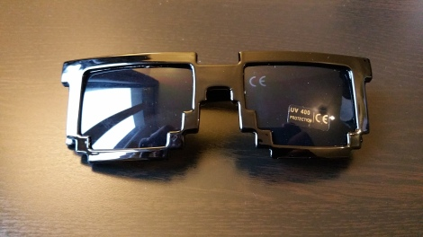 Wootbox_3_Pixel sunglasses_1